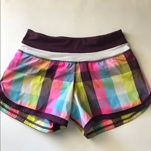 LuluLemon Speed Shorts Sz 2